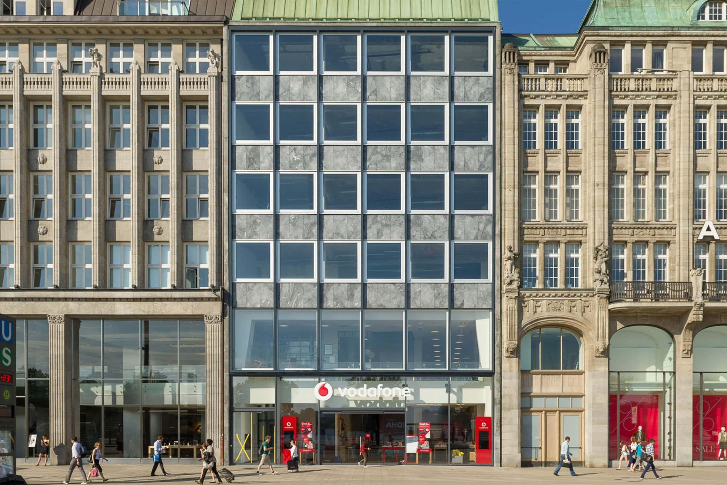 Vodafone, Flagship Store, Hamburg, Fassade, Jungfernstieg